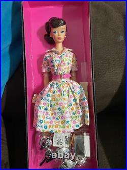 Barbie Learns to cook brunette doll K9139 Platinum Label collector NEW NRFB 2006