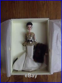 Chataine Silkstone Barbie Platinum FAO Schwartz LE 600 WithShipper