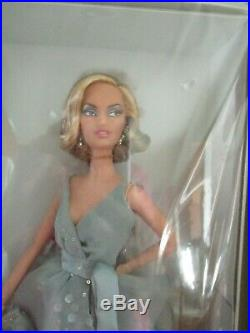 Splash of Silver Barbie-Platinum Label-2009 Barbie Fan Club