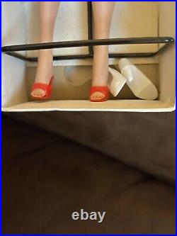 Vintage 1962 Barbie No. 850 Platinum Bubble Cut Red Swimsuit In Box